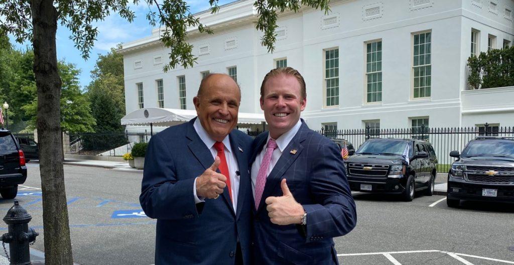 Andrew Giuliani, funcionario de la Casa Blanca e hijo del abogado de Trump, da positivo a Covid-19