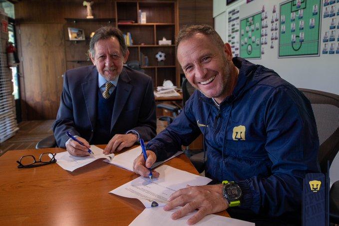 Andrés Lillini amplió su contrato con Pumas por dos años más.