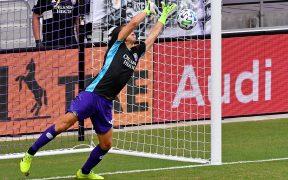 Rodrigo Schlegel atajó el último penalti y le dio el triunfo a Orlando City.