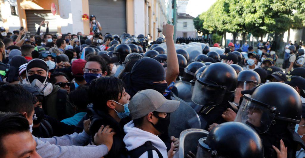 Gobierno debe investigar uso excesivo de la fuerza contra manifestantes: vicepresidente de Guatemala