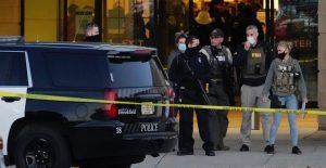 Acusan a joven de 15 años de tiroteo en centro comercial de Wisconsin