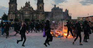 Gobierno de CDMX reporta 43 lesionados durante marcha del 25N