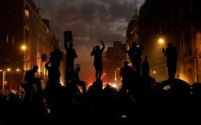 Marcha feminista 25N entre consignas, pintas, petardos y gas pimienta