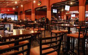 Bares que reabrieron como restaurantes seguirán cerrados 15 días más