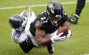 Los Ravens lidian con un brote de coronavirus, lo que obligó a la NFL a aplazar su juego contra los Steelers al próximo martes.