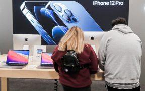 Italia multa a Apple por mentir sobre la resistencia al agua de sus teléfonos
