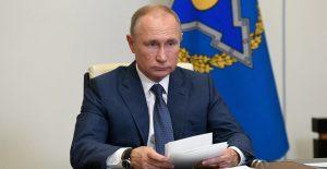 Putin ordena comenzar vacunación masiva contra Covid-19