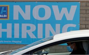 Solicitudes de ayuda económica por desempleo caen durante la semana de Thanksgiving en EU