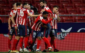 El Atlético de Madrid celebra su triunfo sobre el Valladolid. Foto: EFE.