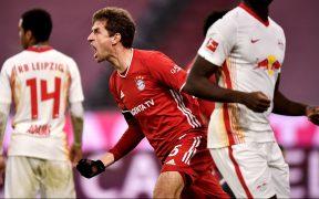 Müller festeja el empate 3-3 del Bayern Munich frente al Leipzig. Foto: EFE.