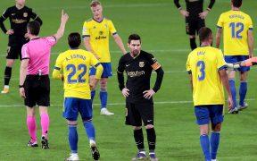 Messi no consigue hacer reaccionar al Barcelona. Foto: Reuters.