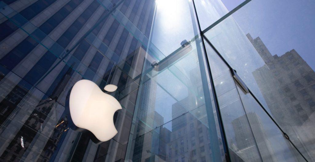 Apple lanza sus AirPods Max, los audífonos de alta gama con cancelación de sonido