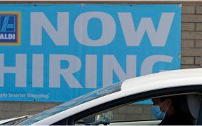 Tasa de desempleo cae en octubre; se mantiene por encima de niveles prepandémicos: OCDE