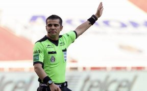 Fernando Hernández dirigirá la Final de Ida entre León y Pumas. Foto: Mexsport