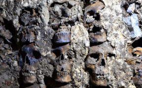 Hallan torre de cráneos humanos en la ciudad de México-Tenochtitlan
