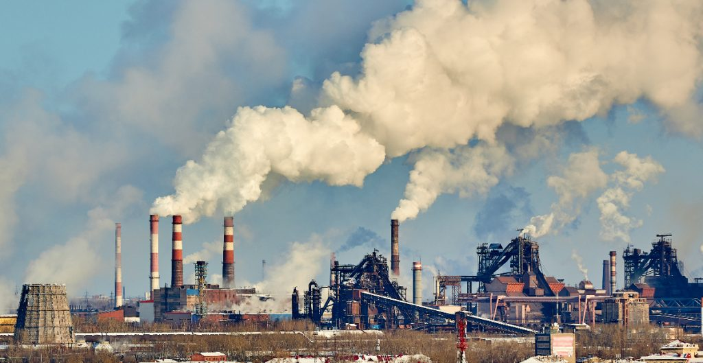 FMI pide fijar un precio mínimo global a las emisiones de carbono; rechaza subsidios a combustibles fósiles