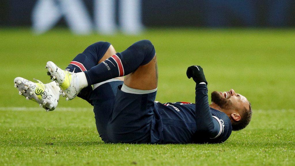 Neymar reconoció que su lesión pudo ser peor, tras hacer los primeros exámenes. Foto: EFE