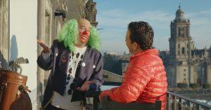 Brozo y Loret almuerzan como reyes, en pleno territorio comanche: frente a Palacio Nacional