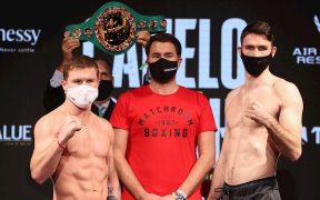 Canelo Álvarez y Callum Smith registraron 18 libras en la báscula para su pelea del sábado. Foto: EFE