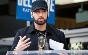 Eminem reedita su más reciente disco, en el que incluye una disculpa a Rihanna