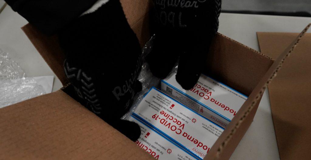 Distribuidores farmacéuticos negocian con EU para aumentar el envío de vacunas: Reuters