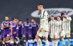 Juventus sufrió su primera derrota de la temporada, una sorpresiva goleada 3-0 ante Fiorentina. Foto: Reuters