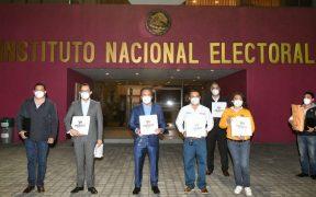 """PRI, PAN y PRD registran ante el INE la coalición """"Va por México"""""""