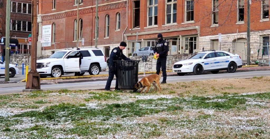 Reportan hallazgo de posibles restos humanos en el lugar de la explosión en Nashville