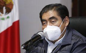 """Puebla suspende las actividades no esenciales por Covid-19; """"se rompieron las reglas"""", dice Barbosa"""