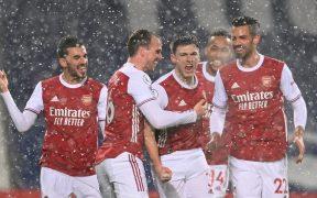 El Arsenal goleó 0-4 al West Bromwich bajo una intensa nevada. Foto: Reuters