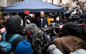 AMLO pedirá a la SRE que ofrezca asilo político a Julian Assange, fundador de WikiLeaks