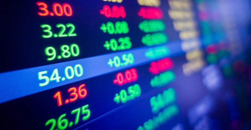 BMV abre con ganancias; el peso sube y cotiza en 20.66 por dólar