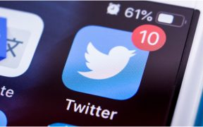 Twitter también suspende la cuenta de la campaña de Trump