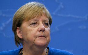 "Merkel considera ""problemático"" expulsar de Twitter a Trump"