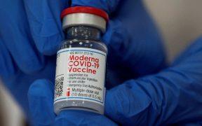Reino Unido aprueba la vacuna de Moderna contra Covid-19