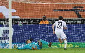 Jonas Hofmann fue el héroe del Gladbach, con un doblete ante el Bayern. Foto: EFE