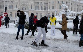 Tormenta de nieve paraliza España y deja 4 muertos