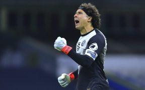 Ochoa fue factor fundamental para el triunfo del América en el debut de Solari como técnico. Foto: Mexsport