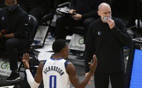 Los Mavericks son uno de los equipos afectados por el rastreo de COVID-19 en la NBA. Foto: AP