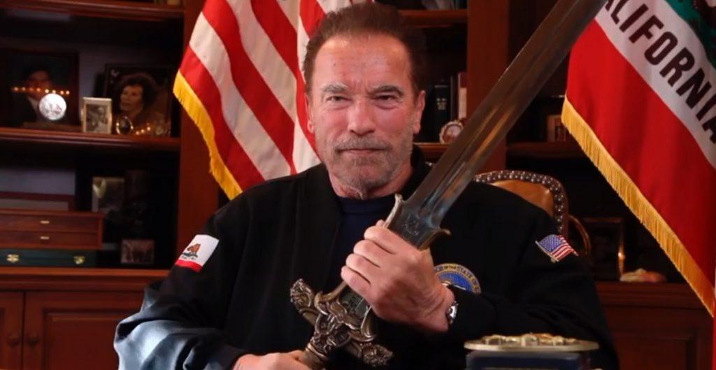 Joe Biden y Arnold Schwarzenegger hablan de la posibilidad de unir al país