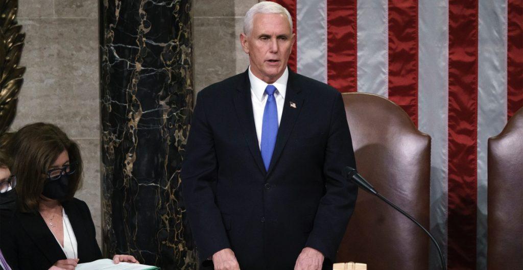 """Mike Pence promete una """"transición sin tropiezos"""" en Estados Unidos"""