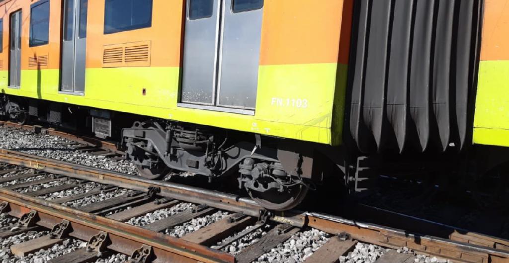 el secretario del Sindicato de Trabajadores del Metro, Fernando Espino, dijo que el restablecimiento del servicio de este transporte tardaría hasta cinco meses, pero que depende de en qué condiciones quedaron transformadores tras el incendio de la madrugada del sábado.