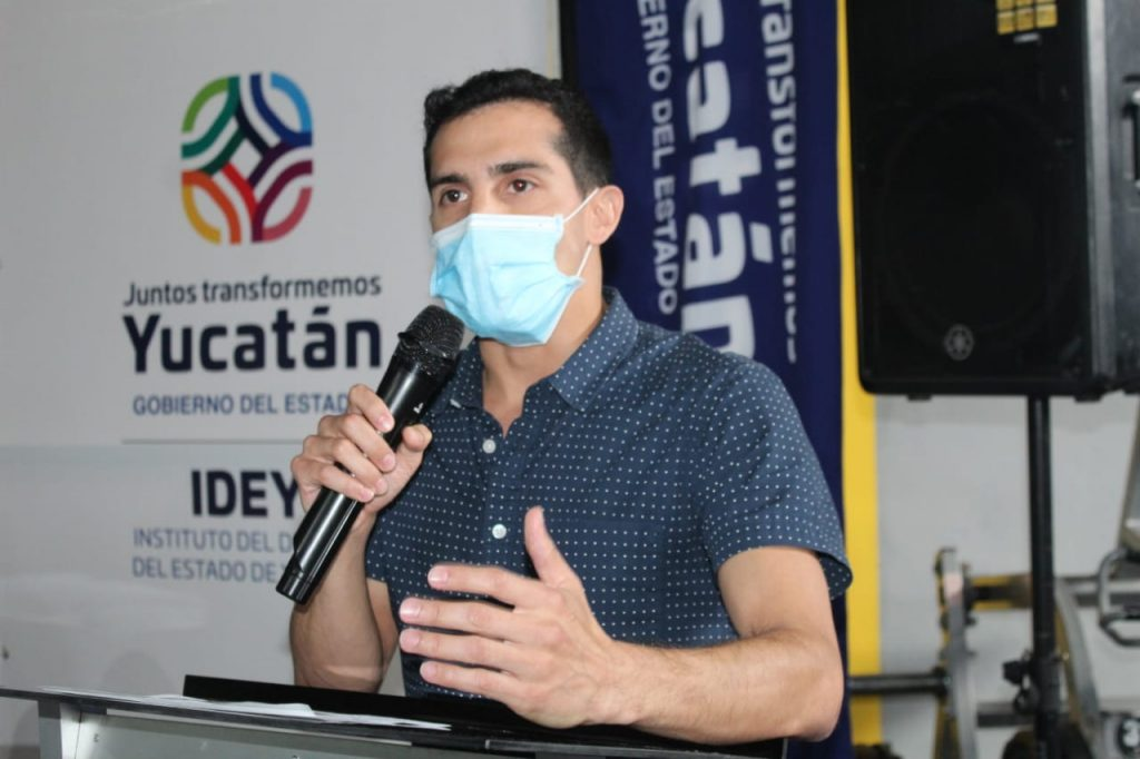 Rommel Pacheco buscará una diputació federal en Mérida. Foto: @AMNovelo