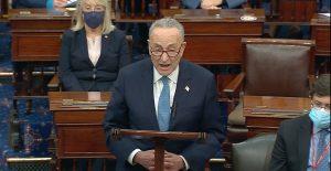 Líder demócrata en el Senado pide a Biden frenar la deportación de haitianos