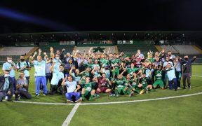 El ChapecoeEl Chapecoense venció a Figueirense y logró el ascenso a primera división. Foto: Márcio Cunha/ACFnse venció a Figueirense y logró el ascenso a primera división. Foto: Márcio Cunha/ACF