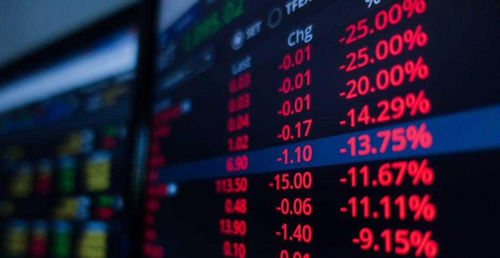 Bolsa Mexicana de Valores pierde por tercera sesión; Peso cotiza en 19.75