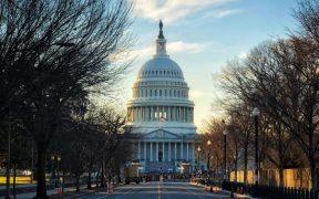 Cámara de Representantes aprueba segundo juicio político contra Trump; pasa al Senado