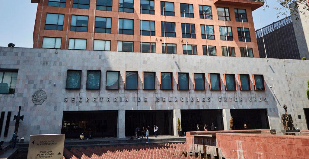 México enviará nota diplomática para abogar por empleados consulares
