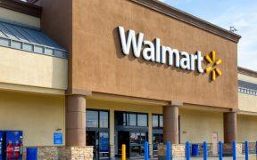 Walmart ofrece convertir sus estacionamientos en centros de vacunación del Ejército y la Marina