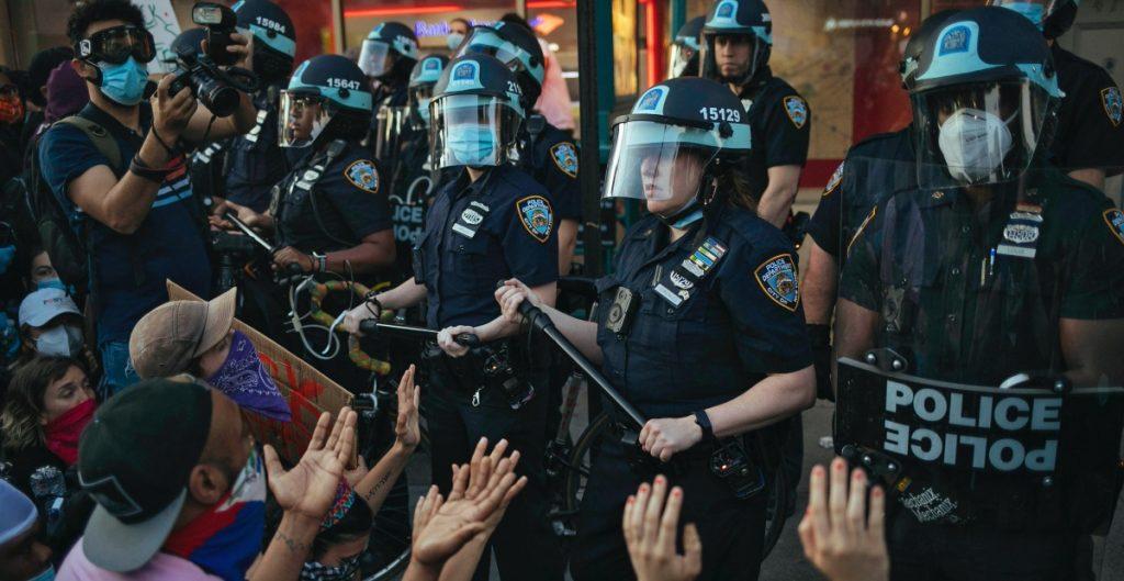 Fiscal general de Nueva York demanda a Policía por su respuesta a protestas